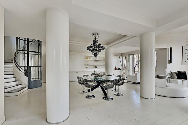 Appartement 9 pièces à Paris (75016)