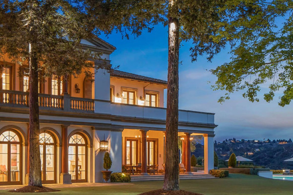 Sylvester Stallone vend sa propriété à Beverly Hills avec Coldwell Banker